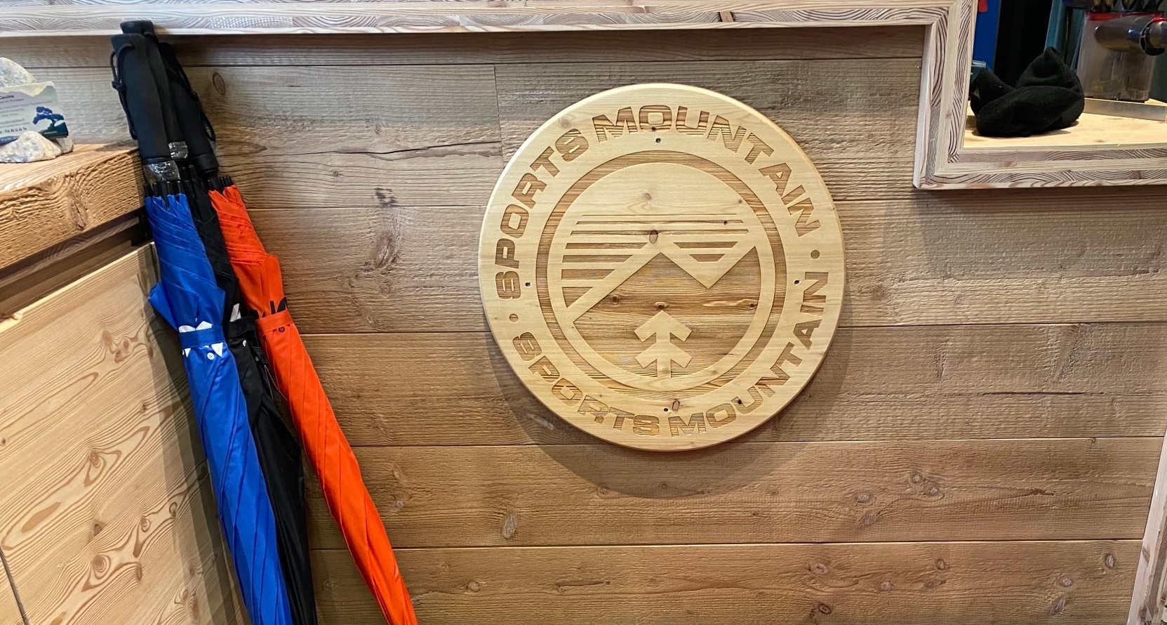 Logo en bois magasin de sport
